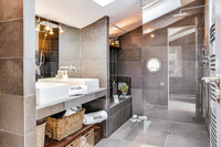 ColletRedonLivingBathroom11