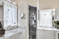 JayRoad Bathroom