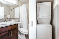 NorthHarborDr Bathroom03