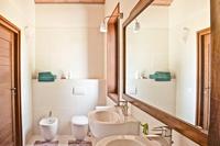 VillaAcquaviva Bathroom02