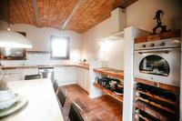 VillaAcquaviva Kitchen03