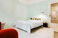 KaritsiPlaceAptGreen Bedroom02