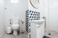 KaritsiPlace4 Bathroom