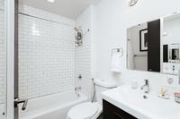 WyandotStreet Bathroom06