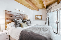 AlpineMeadows Bedroom04