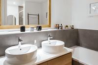 DumontResidence Bathroom03