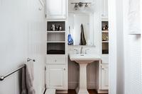 RockyHill Bathroom02