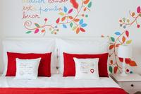 SolarEgasHotel Bedroom05
