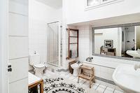 Saint_Honoré_Bathroom