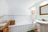 TourdelaRosa Bathroom