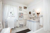 TourdelaRosa Bathroom02