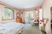 TourdelaRosa Bedroom02
