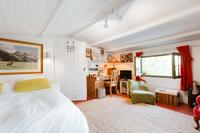 TourdelaRosa Bedroom04