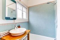 GoldfinchStreet Bathroom02