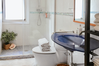 VallromanesResidence Bathroom02