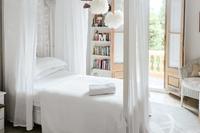 VallromanesResidence Bedroom02