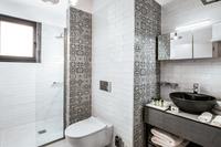 OramaVilla Bathroom03
