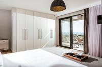 OramaVilla Bedroom06