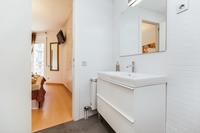 CarrerdelaMuntana Bathroom02