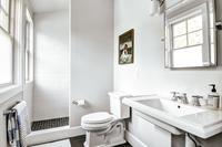 ToweeTrail Bathroom02