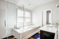 ToweeTrail Bathroom03