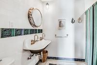 1stStreetResidence Bathroom