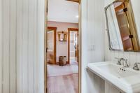 1stStreetResidence Bathroom3