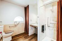 DomainedelaTour Bathroom
