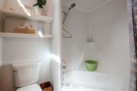 LittleLakeRoad Bathroom3