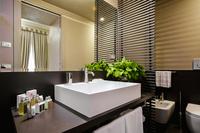 27 Borgognona Bathroom