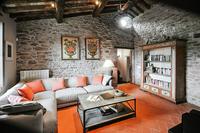 CarmineResidence Farm house sitting room