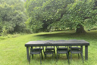 bungalow 1930s outdoor table