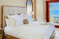 SandcastleVilla Bedroom Jr Master 236
