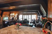 LakeArrowheadLivingroom 01