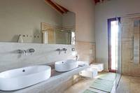 ViaggioVillaBathroom 2
