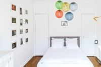 AvenueOctaveGréardBedroom 06