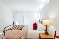 The Wilson Road ResidenceBedroom02