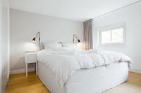 PieterVanDerDoesstraatBedroom02